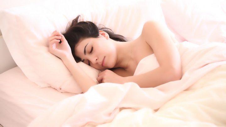 W jaki sposób łóżka drewniane mogą odmienić Twoją sypialnię?