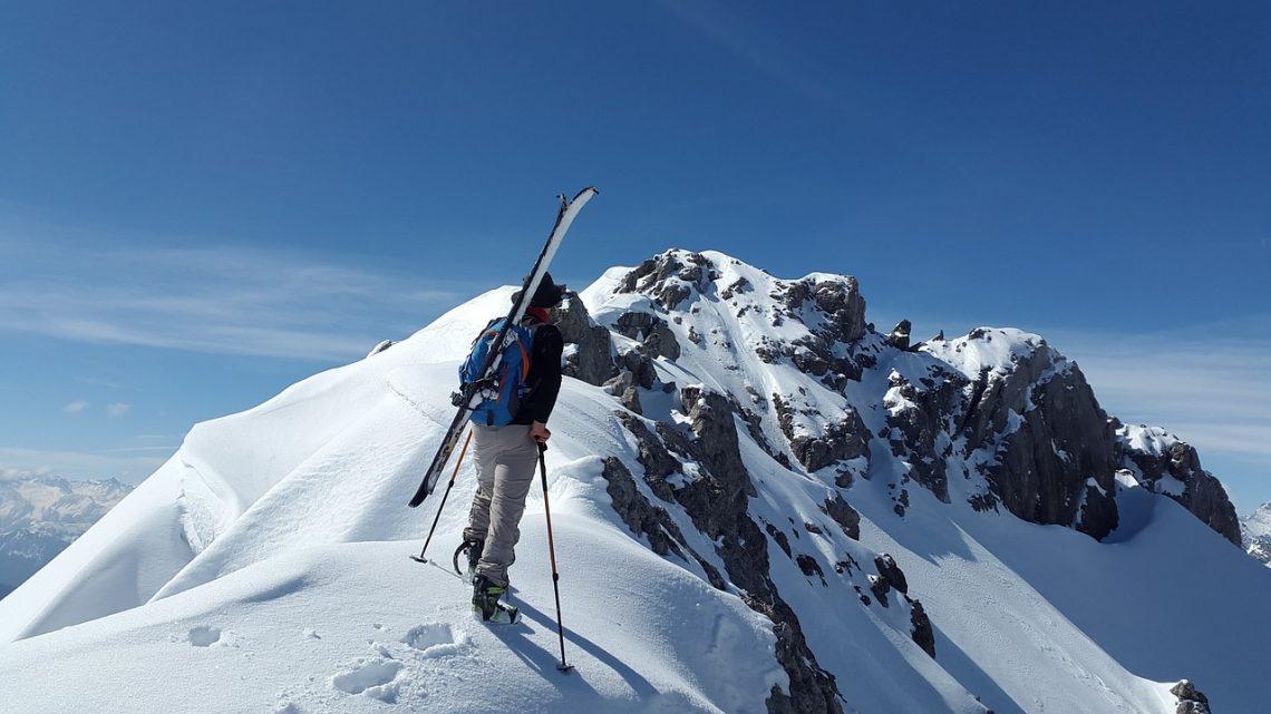 Kurtki narciarskie dla młodzieży